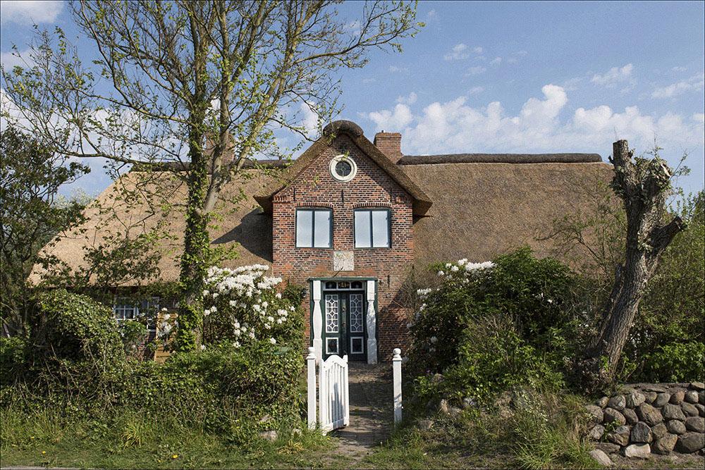 Ein historisches Kapitänshaus in Westerland auf der Nordseeinsel Sylt (Landkreis Nordfriesland).