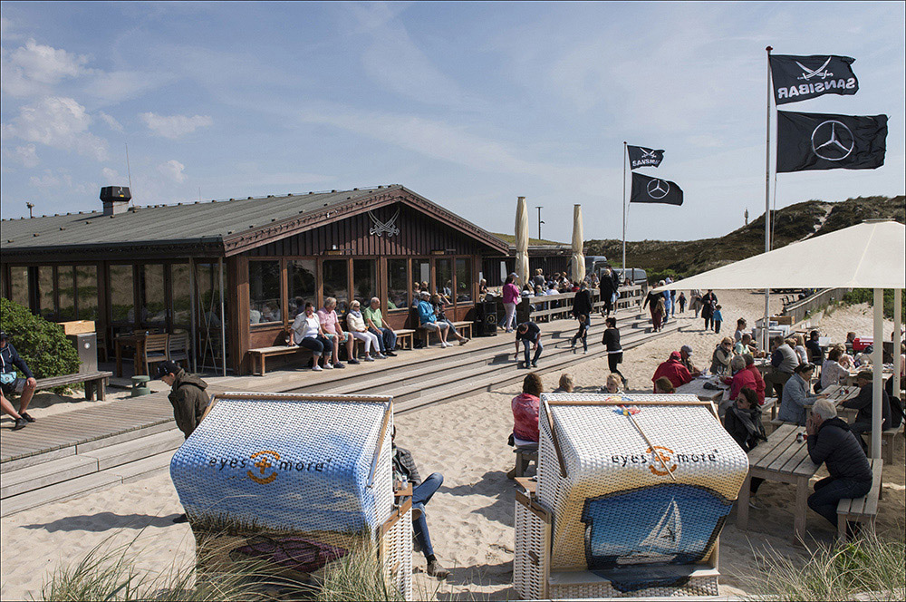 Die Sansibar ist ein bekanntes Restaurant auf Sylt. Es verfügt über 160 Innenplätze im Restaurant und 250 Außenplätze auf der Terrasse und in den Dünen. Im Weinkeller, einem Gewölbe unter der Holzhütte der Sansibar lagern 30.000 Flaschen, verteilt auf 1100 Positionen, im Wert von mehreren Millionen Euro. Die Sansibar liegt bei Rantum auf der Nordseeinsel Sylt (Landkreis Nordfriesland).