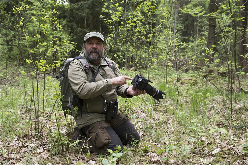Der Naturfotograf Karsten Nitsch im Teichgebiet bei Wartha an der B 96 bei Hoyerswerda (Landkreis Bautzen) im Biosphärenreservat Oberlausitzer Heide- und Teichlandschaft.