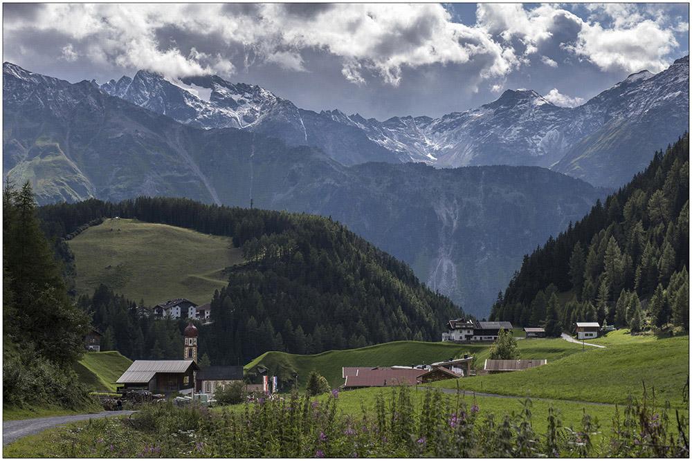 Niederthai (1538 Meter) im Horlachtal, einem Seitental des Ötztals in den Ötztaler Alpen in Tirol, Österreich.