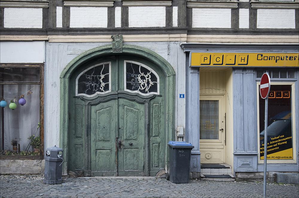 Ein leerstehendes Geschäft für Computer in der Altstadt von Blankenburg (Harz). So wie dieses Geschäft stehen viele Geschäfte in der Altstadt leer.